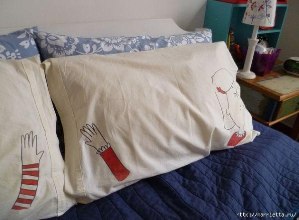 Прикольные подушки для влюбленных. Роспись ткани маркером (9) (600x443, 118Kb)