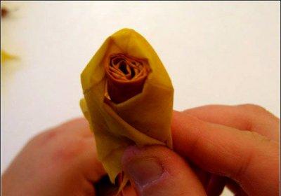 Розы из осенних листьев своими руками (18) (400x280, 70Kb)