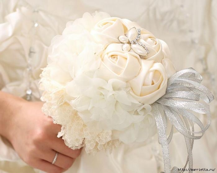 Свадебные букеты из атласных розочек (27) (700x556, 214Kb)