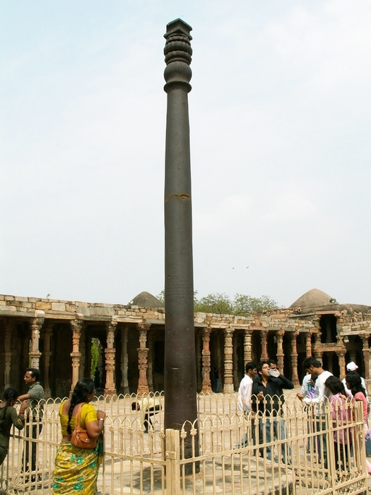 нержавеющий железный столб в индии 4 (525x700, 229Kb)