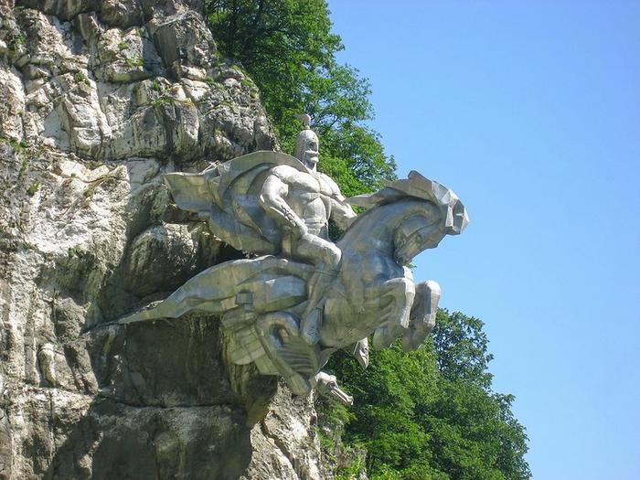 памятник Уастырджи осетия 3 (700x525, 419Kb)
