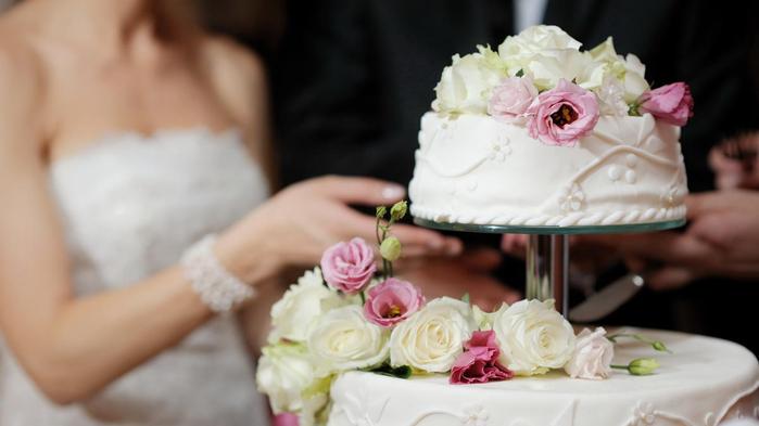 Торт-на-свадебное-торжество1 (700x393, 198Kb)