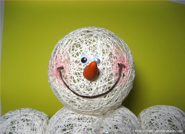 Нежные цветы, снеговик и декоративные шары из ниток. Мастер-классы (23) (640x463, 156Kb)