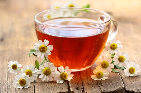 ромашковый чай/3862295_1383489570_chaysromashkoypolzasvoystvaromashkovogochaya (600x397, 82Kb)