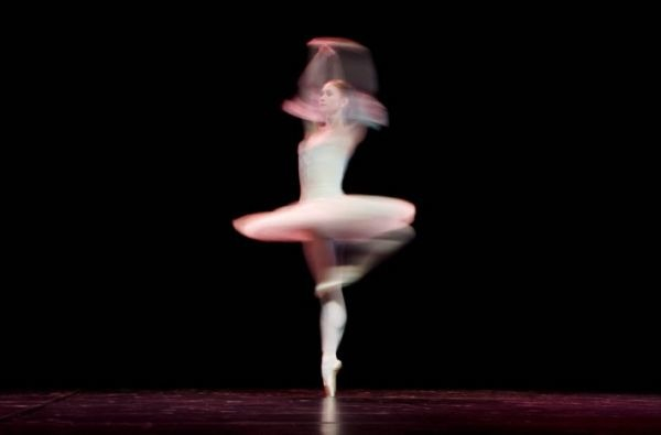 long-exposure-ballet-dancers_3 (600x395, 40Kb)