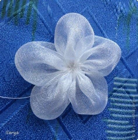 Сделать цветок из банта
