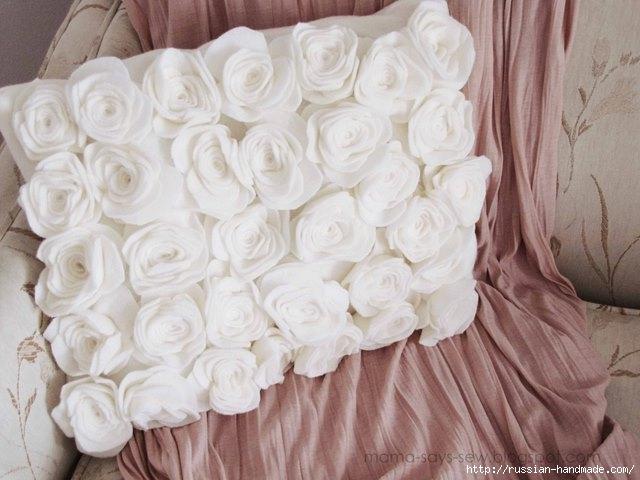 Шитье подушки - красавицы с розочками из флиса (14) (640x480, 152Kb)