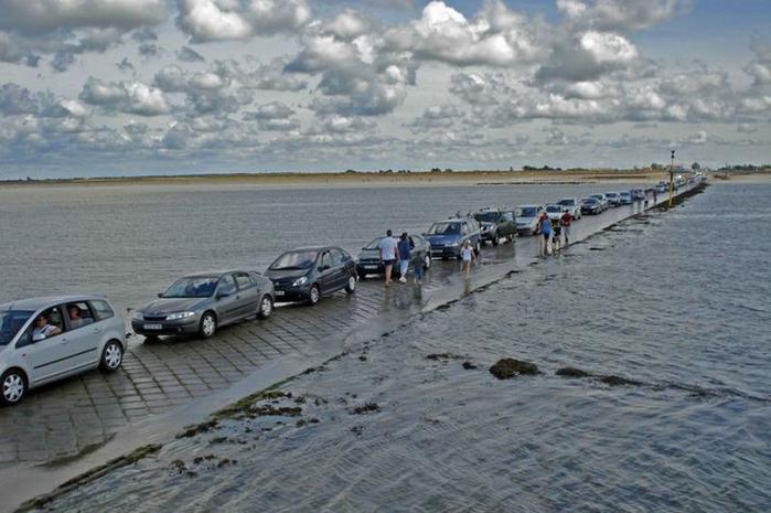 Дорога Пассаж дю Гуа в заливе Бурньёф франция 1 (700x465, 304Kb)