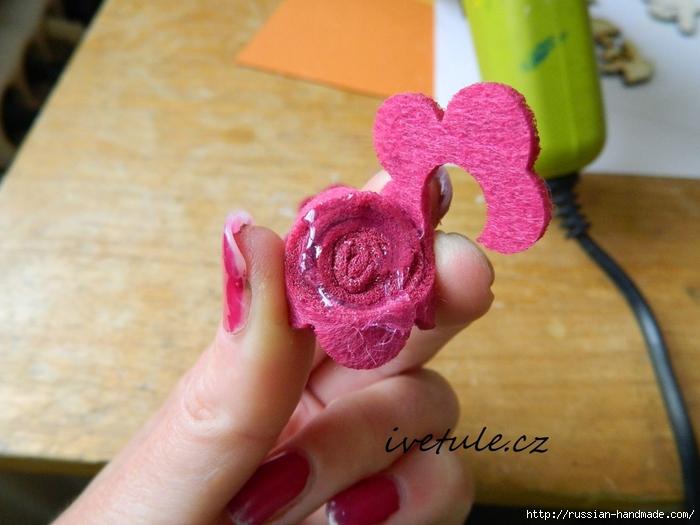 Розы из войлока для создания аксессуаров (1) (700x525, 244Kb)
