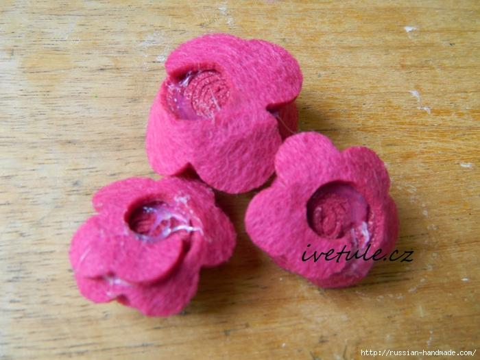 Розы из войлока для создания аксессуаров (2) (700x525, 284Kb)