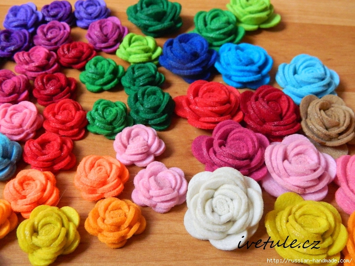 Розы из войлока для создания аксессуаров (5) (700x525, 339Kb)