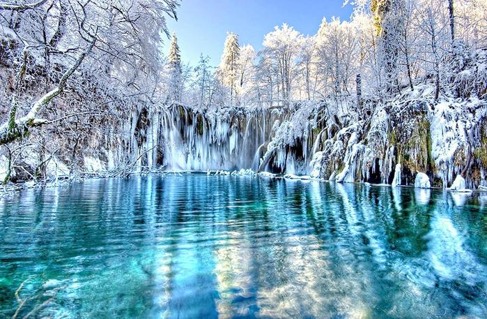 2. Плитвицкие озера (700x457, 520Kb)
