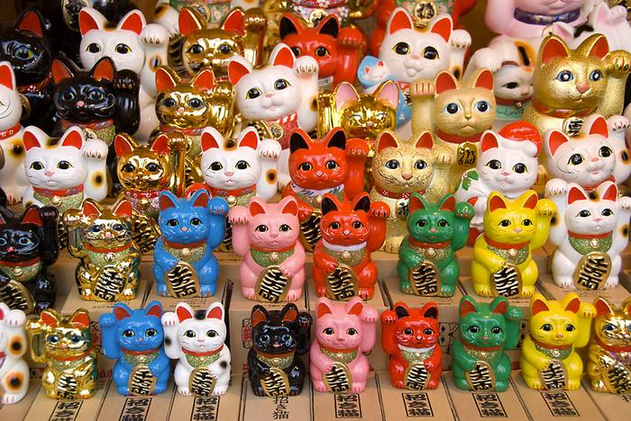 кошки манэки-нэко фото 3 (700x468, 651Kb)