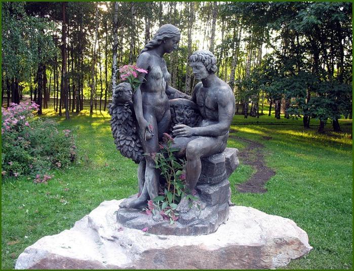 Фото эротических скульптур на улицах города 28 фотография