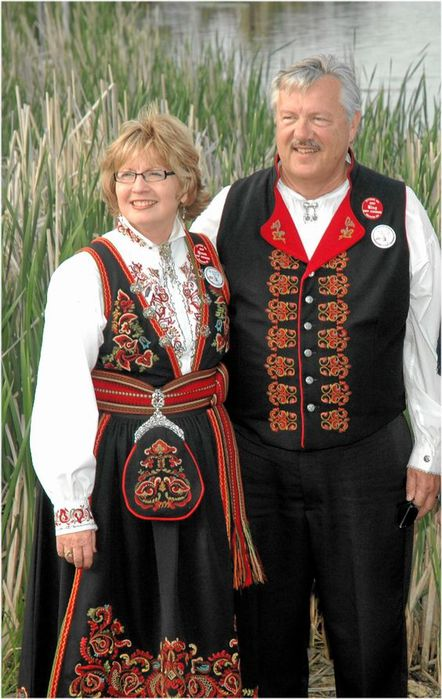 2804996_norvejskii_tradicionnii_kostum (442x700, 70Kb)