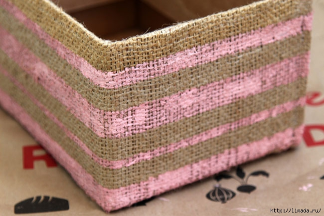 make-burlap-storage-box-apieceofrainbowblog-18 (650x433, 177Kb)