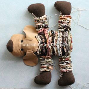 Шьем собачку из цветочков йо-йо. Мастер-класс и выкройка (27) (300x300, 68Kb)