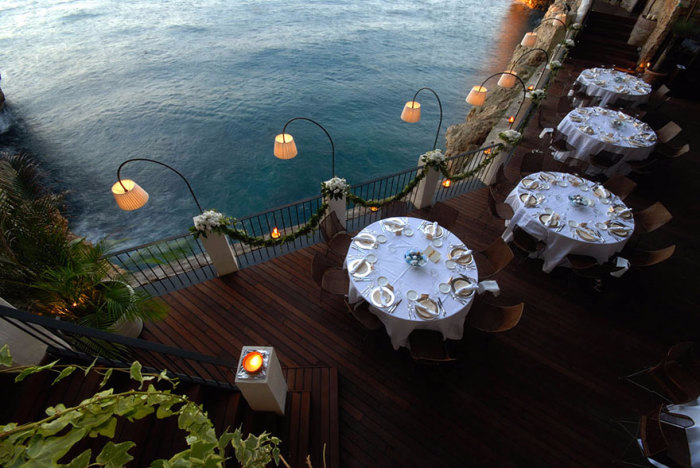 ресторан Grotta Palazzese 2 (700x468, 303Kb)