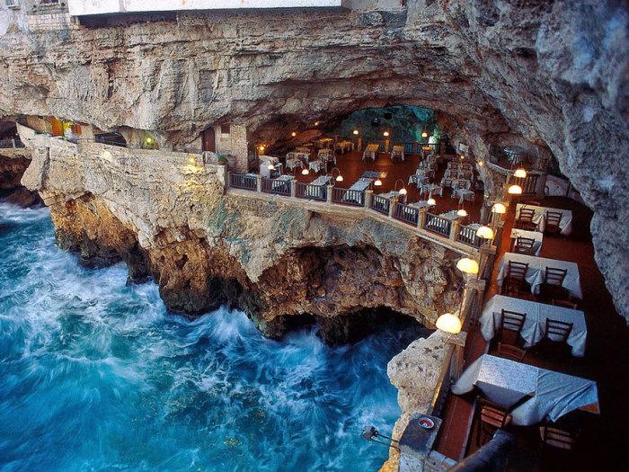 ресторан Grotta Palazzese 4 (700x525, 516Kb)
