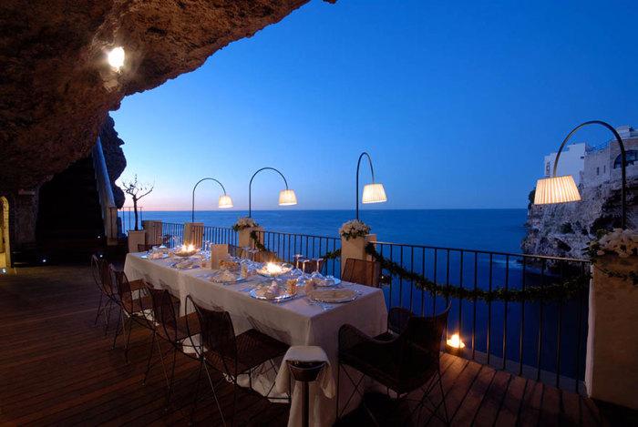 ресторан Grotta Palazzese 5 (700x469, 247Kb)