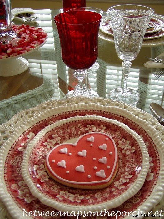 Valentine-Day-Table-Setting-Tablescape_wm (525x700, 378Kb)