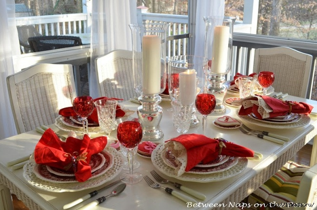 Valentines-Day-Tablescapes-Table-Settings-11 (650x431, 219Kb)