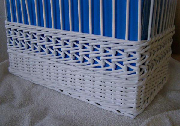 Корзинка для белья — плетение из газет15 (600x421, 194Kb)