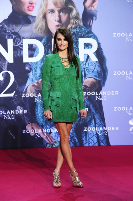 penelope-cruz-green-suede-03feb16-14 (465x700, 224Kb)