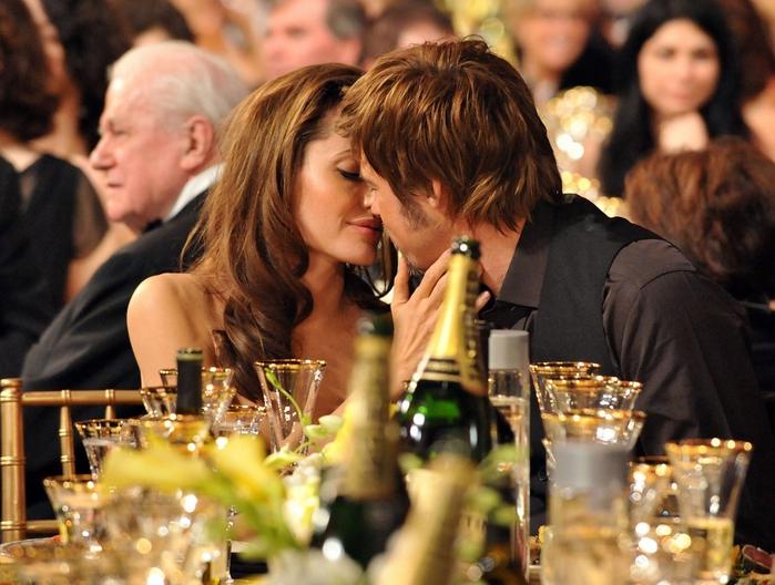 Анджелина Джоли и Бред Питт: история любви/3085196_085 (700x528, 291Kb)