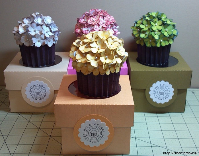 cesta de papel de tortas con las manos (8) (700x548, 295KB)