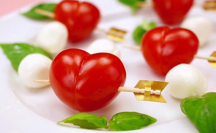 ���������� ��������/3085196_tomato_hearts (700x430, 70Kb)