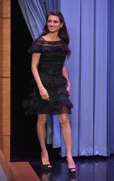 Penelope+Cruz+Visits+Tonight+Show+Starring+Yp5RpxFa7mfx (439x700, 278Kb)
