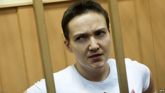 Надежда Савченко на слушаниях в суде. Ноябрь 2014 года (640x360, 21Kb)