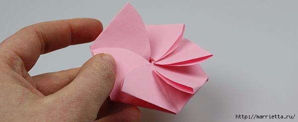 Творчество с детьми. Цветочки в технике оригами (10) (600x245, 44Kb)