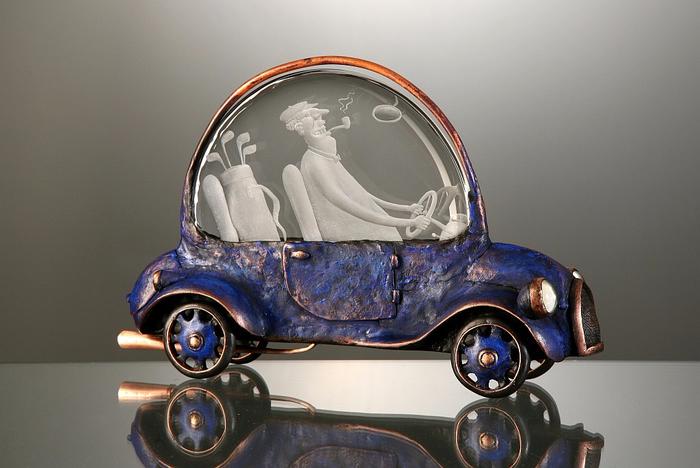 Ir-a Golf.-grabado de vidrio y metal-escultura-por-Dalibor-Nesnidal-1 (700x468, 303KB)
