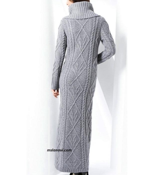 Длинное-вязаное-платье-с-аранами-спинка (646x700, 173Kb)