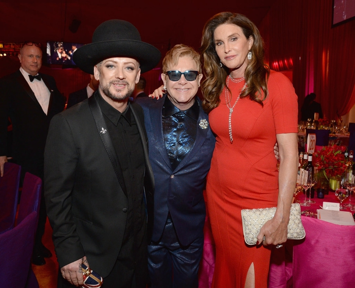 Celebrities-Elton-John-Oscars-Party-2016 (700x566, 266Kb)