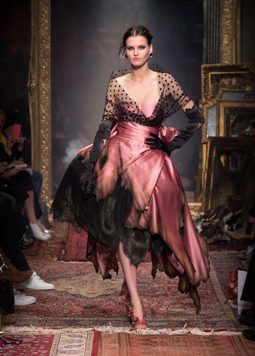 коллекция вечерних платьев Moschino 3 (502x700, 267Kb)
