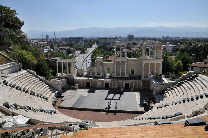 09-Roman_Theatre_Plovdiv (700x464, 387Kb)