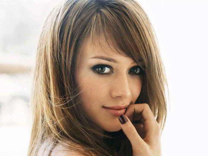 7_1254075391_hilary-duff-1024x768-25832 (700x525, 284Kb)