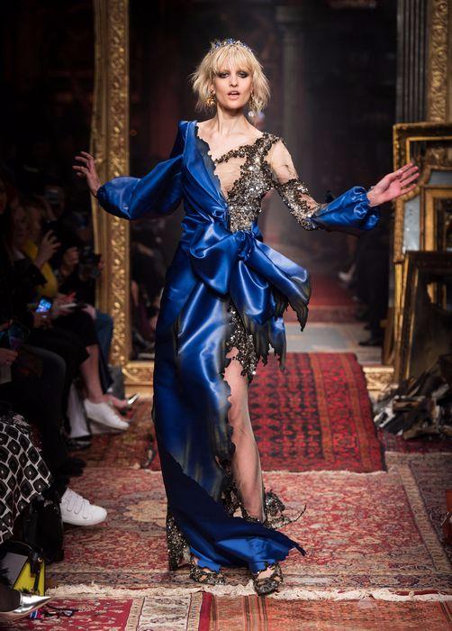 коллекция вечерних платьев Moschino 2 (502x700, 324Kb)
