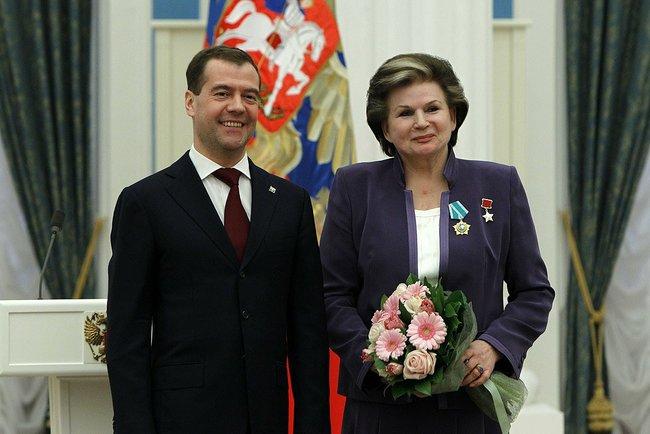 06 Dmitry_Medvedev_12_April_2011-10 (650x434, 195Kb)