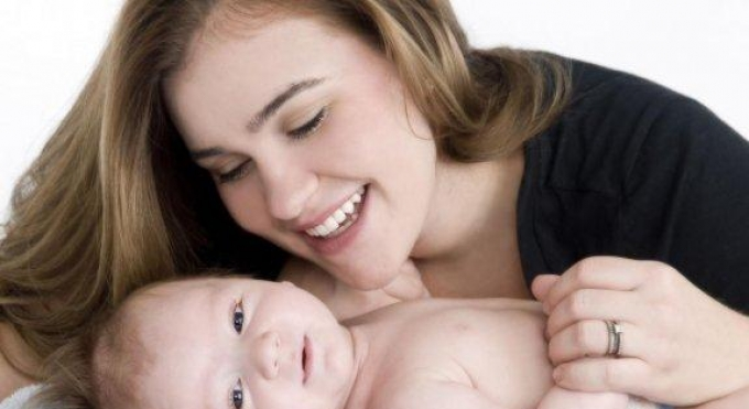 мама и малыш (680x371, 132Kb)