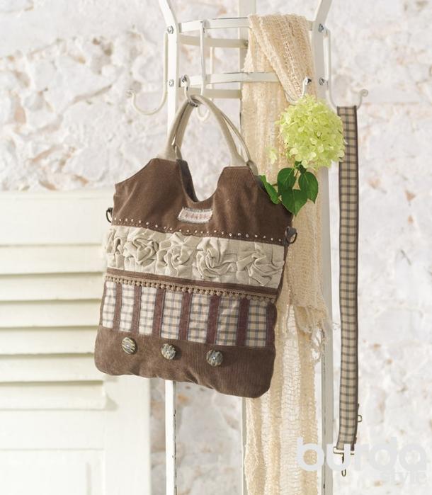 Винтажная сумка со стилизованными розами/5420033_368a03b7993c402549287b49846a35cc (610x700, 264Kb)