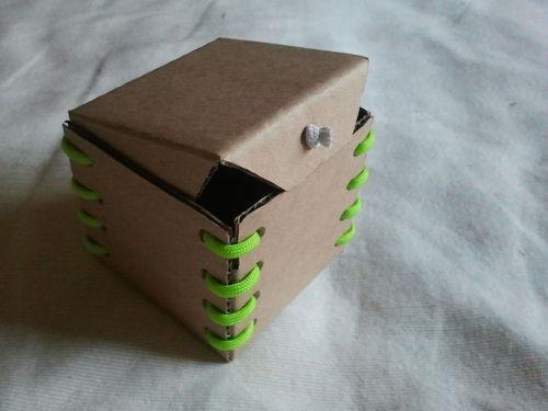 Копилка из картонной коробки своими руками
