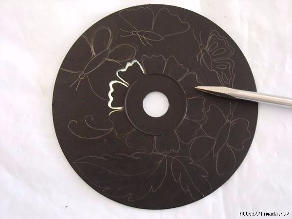 Creative-Ideas-DIY-Wall-Art-From-Old-CDs-3 (600x450, 79Kb)