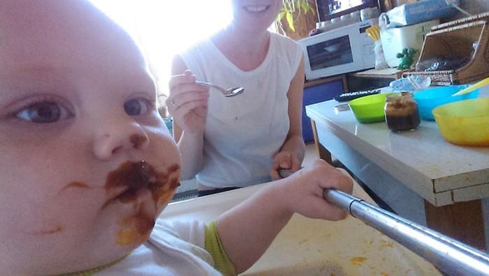 Юлия Скоробогатова с помощью селфи показала, что такое   быть мамой