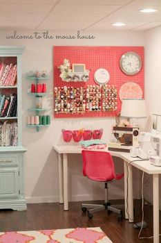 ideas-to-organize-your-craft-room-in-the-best-way-12-554x831 (233x350, 77Kb)