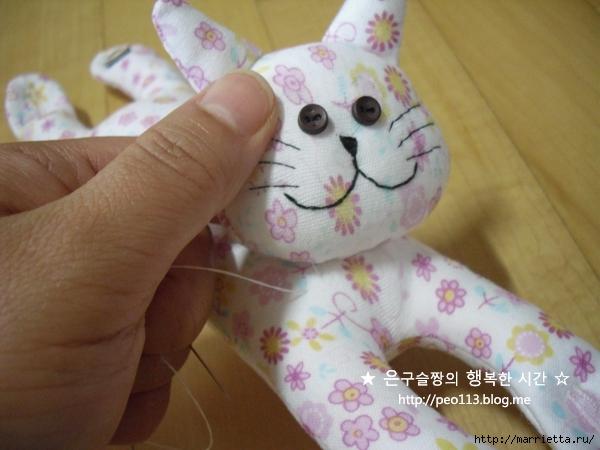 Шьем кошечку - компьютерную мышку для руки (20) (600x450, 190Kb)