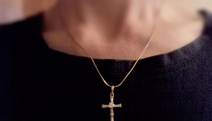 На чём можно носить золотой крестик